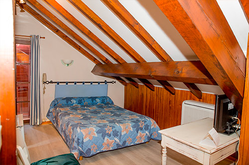 reservation hotel pays basque